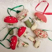 Новогодняя игрушка из ткани Грибочек